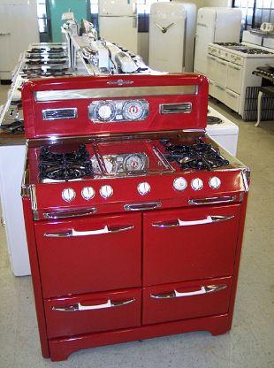 Lindo fogão retrô industrial que se destaca na decoração da sua casa