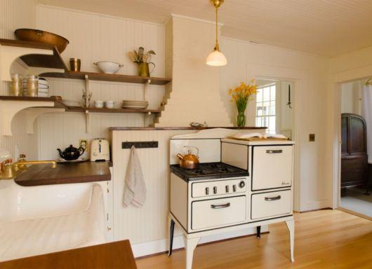 Grande parte dos fogões antigos possuem essa estrutura com vários compartimentos
