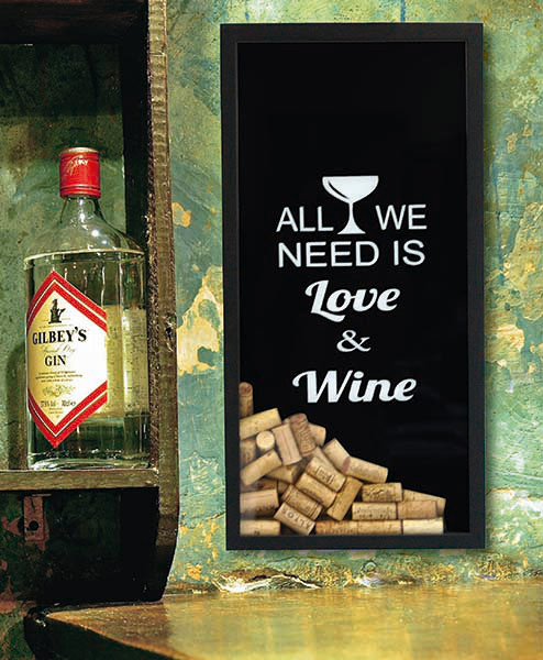 Tudo o que nós precisamos é amor e vinho - uma boa frase para seu porta-rolhas