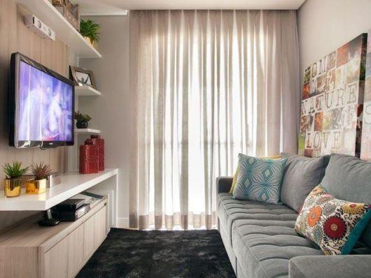 Pense em uma decoração equilibrada de acordo com todo o estilo do apartamento