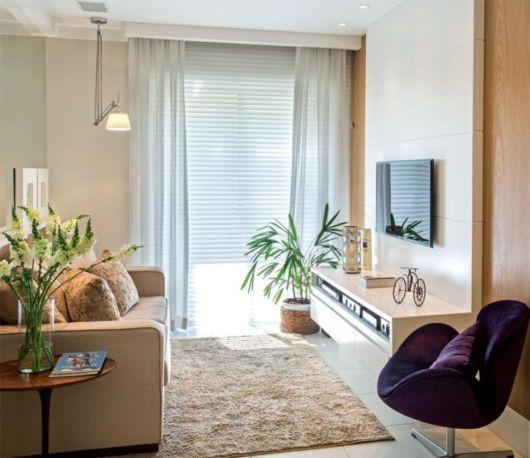 A iluminação é muito importante em seu apartamento, por isso a sala pode ficar próxima a sacada