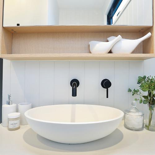 Pequenas torneiras também são ideais e funcionais para o seu banheiro