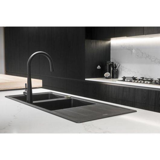 A escolha da torneira pode ser realizada assim que a reforma ou construção de sua cozinha estiver sendo realizada