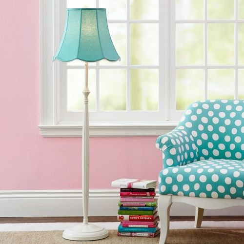 Parede rosa claro combinando com o azul tiffany