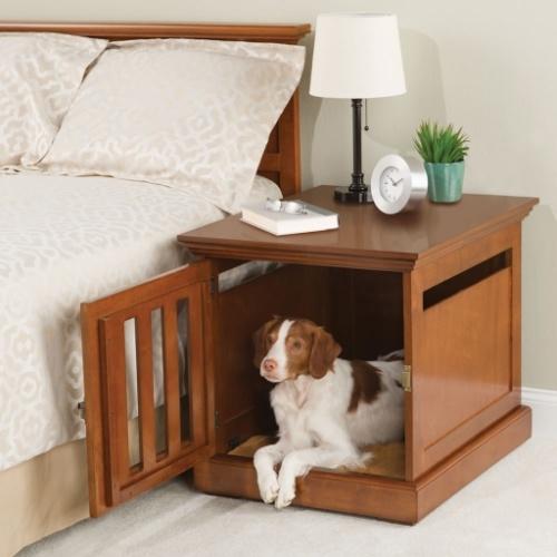 Essa casinha serve até como um criado mudo, ideal para cães que ficam dentro de casa