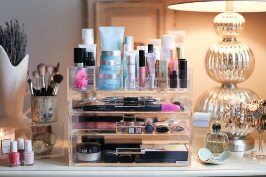 como organizar maquiagem passo a passo