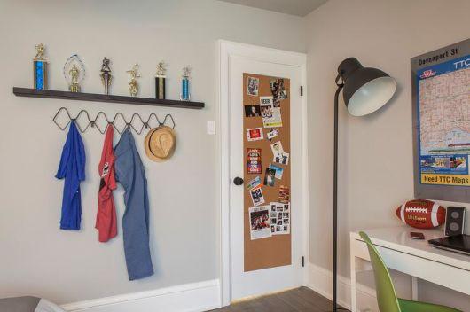 Um modelo retangular para deixar na porta do seu quarto