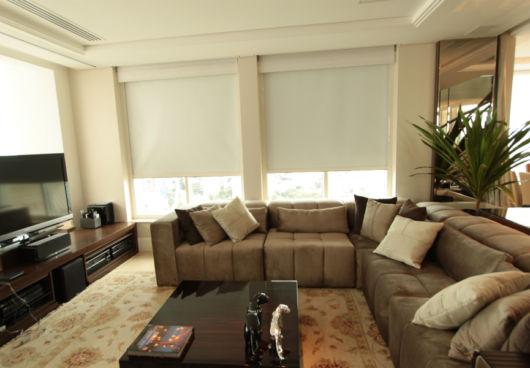 sala de TV com sofá de canto