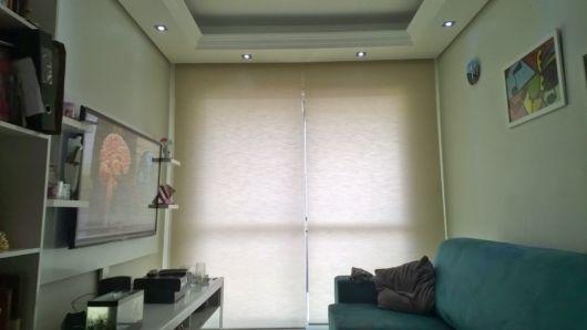 cortina rolô bege