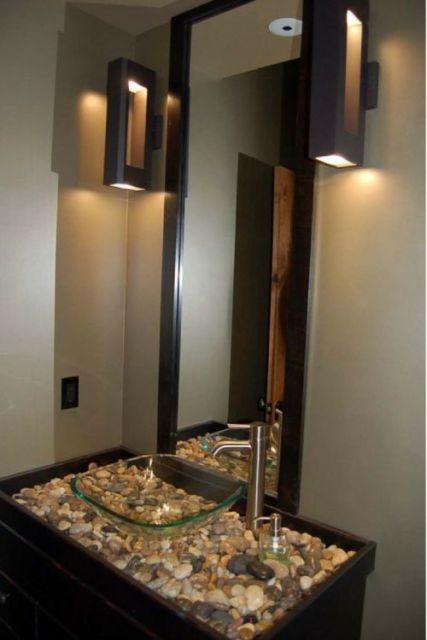 Pia de vidro para banheiro.