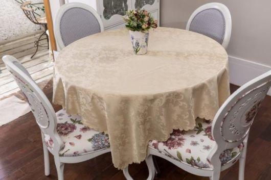 toalha de mesa bordada redonda champanhe