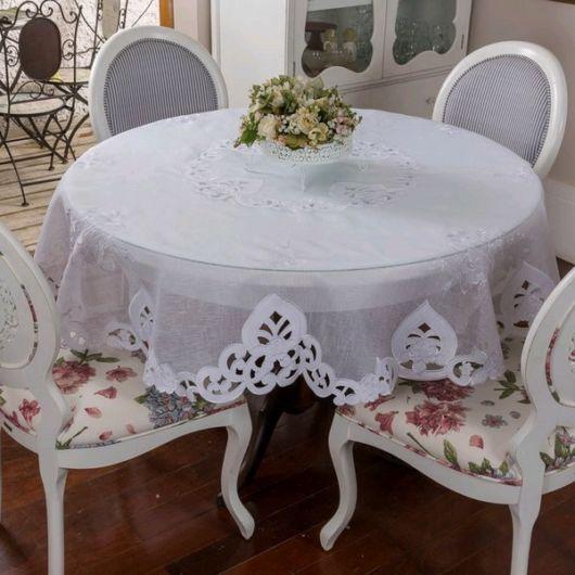 toalha de mesa bordada branca redonda