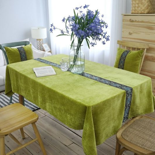 toalha de mesa bordada verd