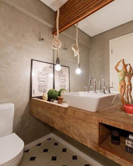 Madeira resistente e pronta para servir de bancada em banheiros com grande circulação de pessoas