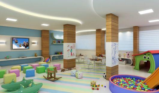 Uma sala enorme e decorada é ideal para várias crianças
