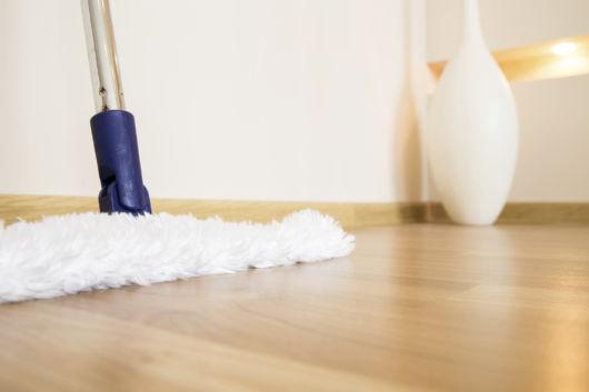 limpeza do piso laminado.