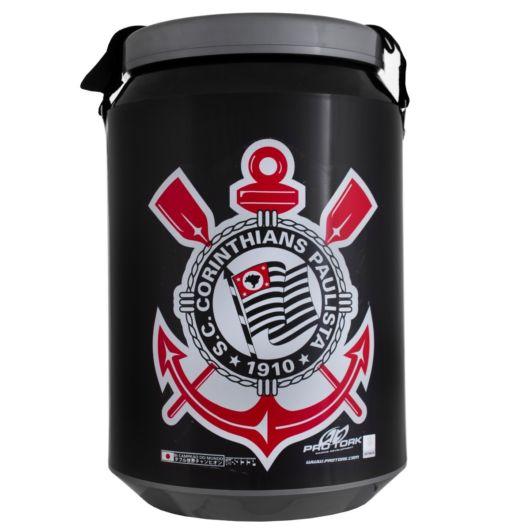 Há também o cooler personalizado inspirado em clubes de futebol
