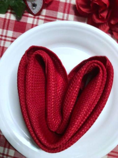 como dobrar guardanapo de tecido