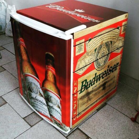 frigobar adesivado para cerveja