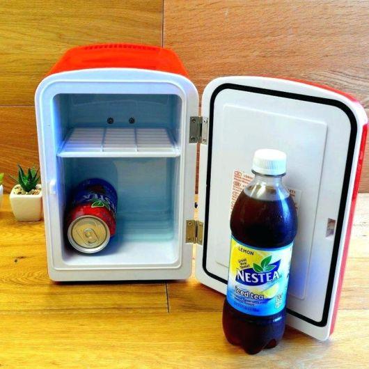 geladeira portátil de mesa