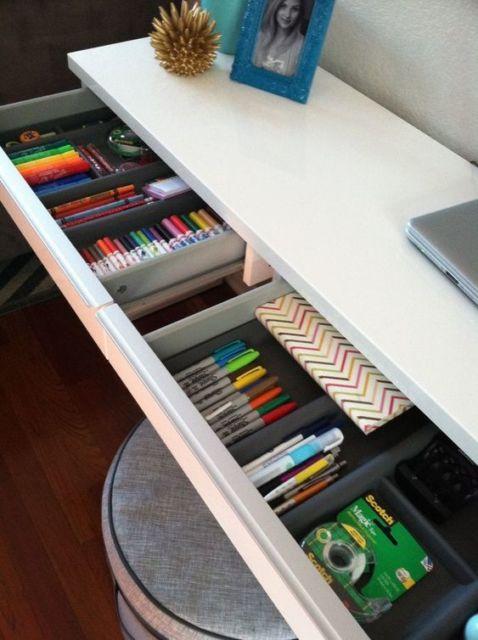 como arrumar escrivaninha