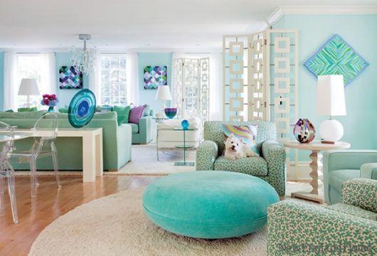 Quando o verde tem total destaque na sala de estar