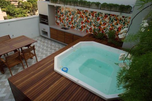 piscina em deck suspenso