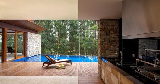 revestimento de tijolos à vista em varanda gourmet