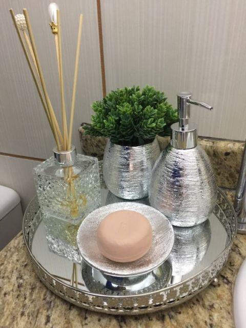 bandeja redonda banheiro