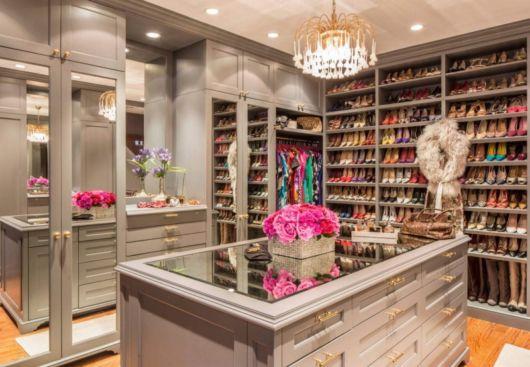 closet luxuoso feminino