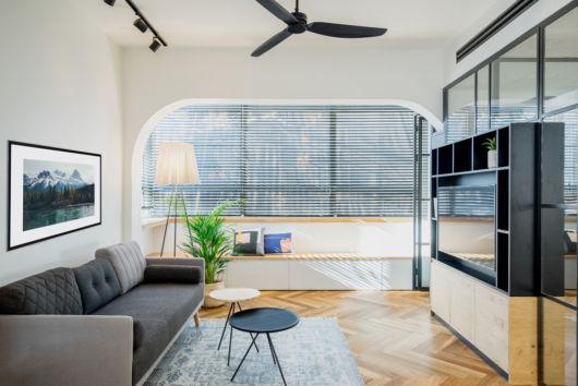 como decorar apartamento pequeno com parede de vidro