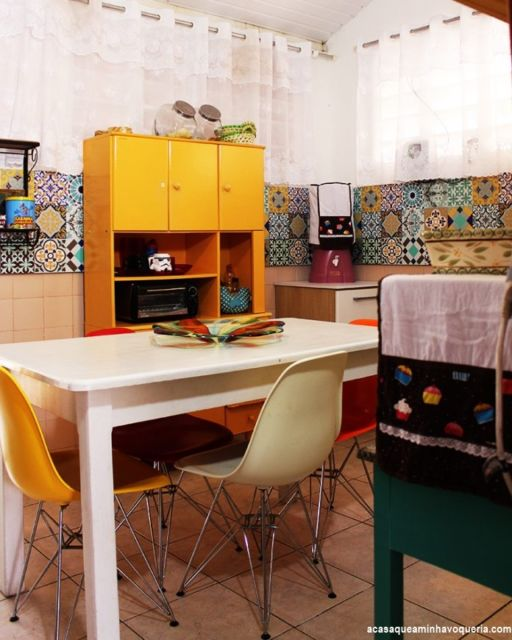 cozinha simples e colorida