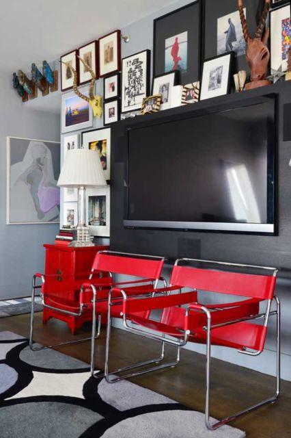 sala decorada com poltrona moderna