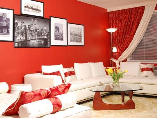 sala com sofá de canto branco