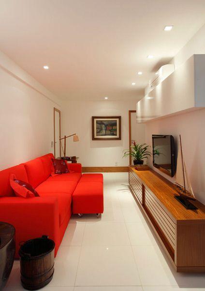 sala pequena vermelha e branca
