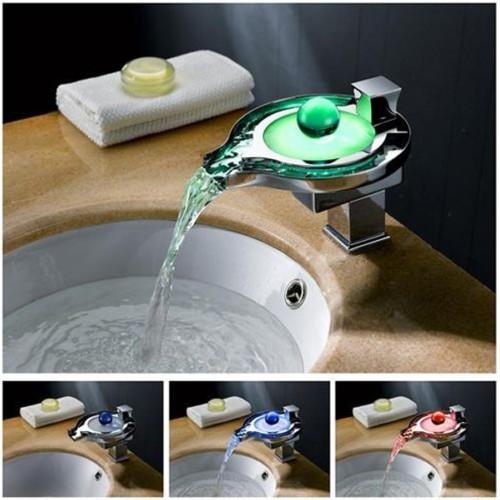Ideias de torneiras de vidro com luz de LED colorida