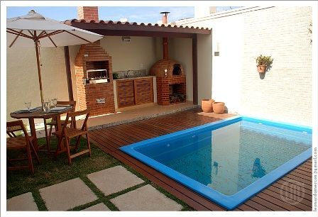 Espaço gourmet simples com piscina
