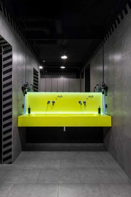 banheiro masculino pequeno