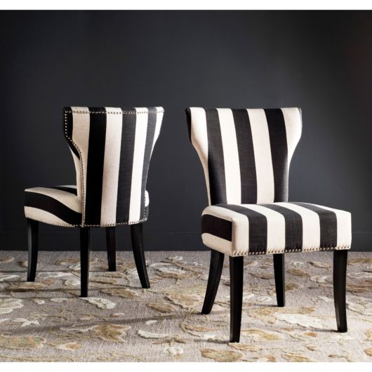 cadeira branca e preta
