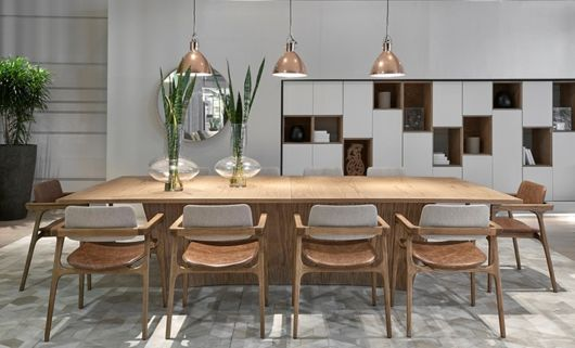 Cadeiras em madeira moderna