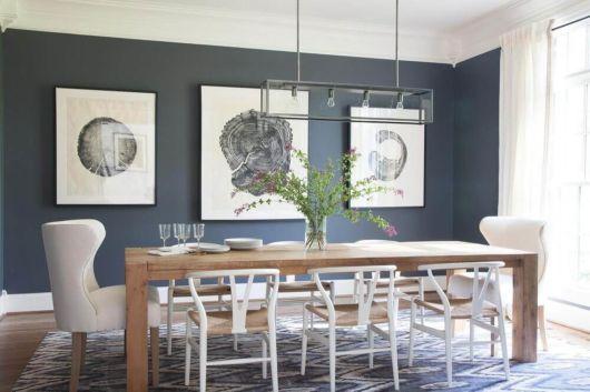 O design da cadeira ajuda a modernizar o ambiente