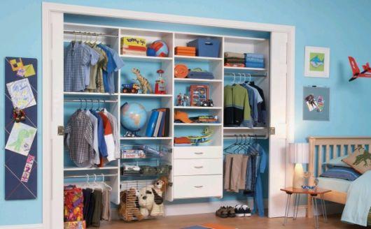 closet suspenso em quarto de criança