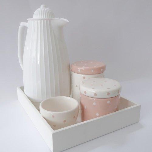 Kit com garrafa térmica para higiene