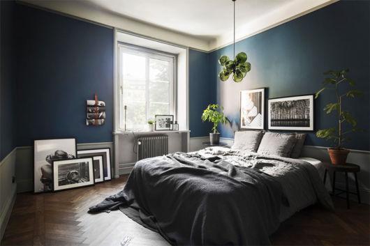 quarto azul-marinho