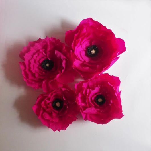 rosa feita com papel crepom