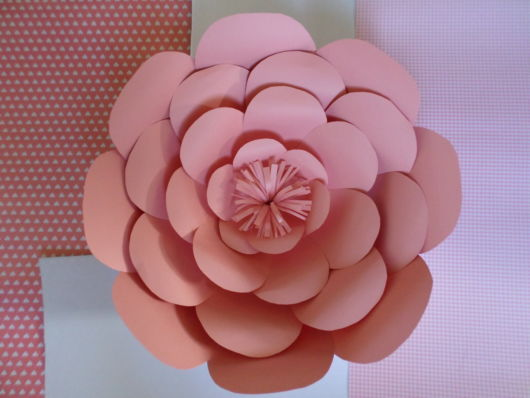 Rosa com papel bem durinho