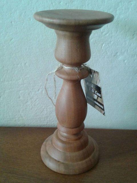 castiçal de madeira
