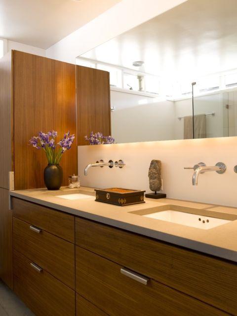 banheiro com bancada dupla