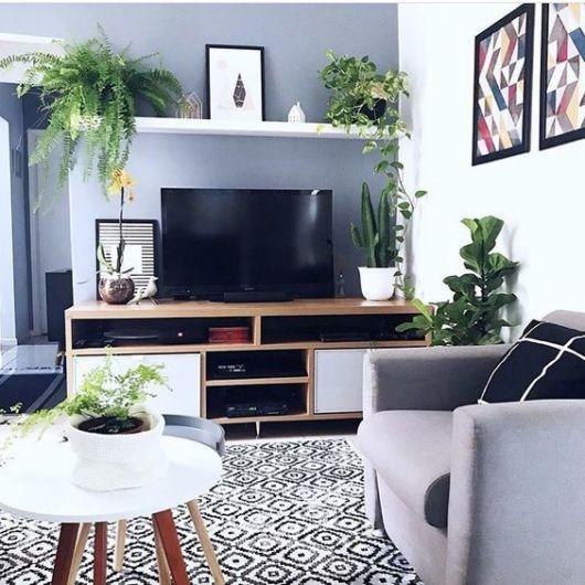 sala com parede cinza