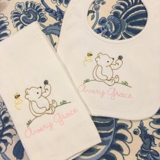 Fraldas bordadas com ursinho